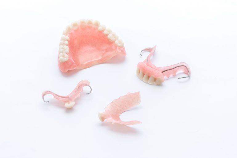 よく噛めて食事を楽しめる入れ歯