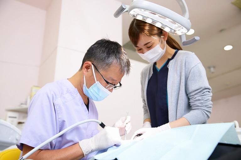 歯科助手 常勤歯科医師